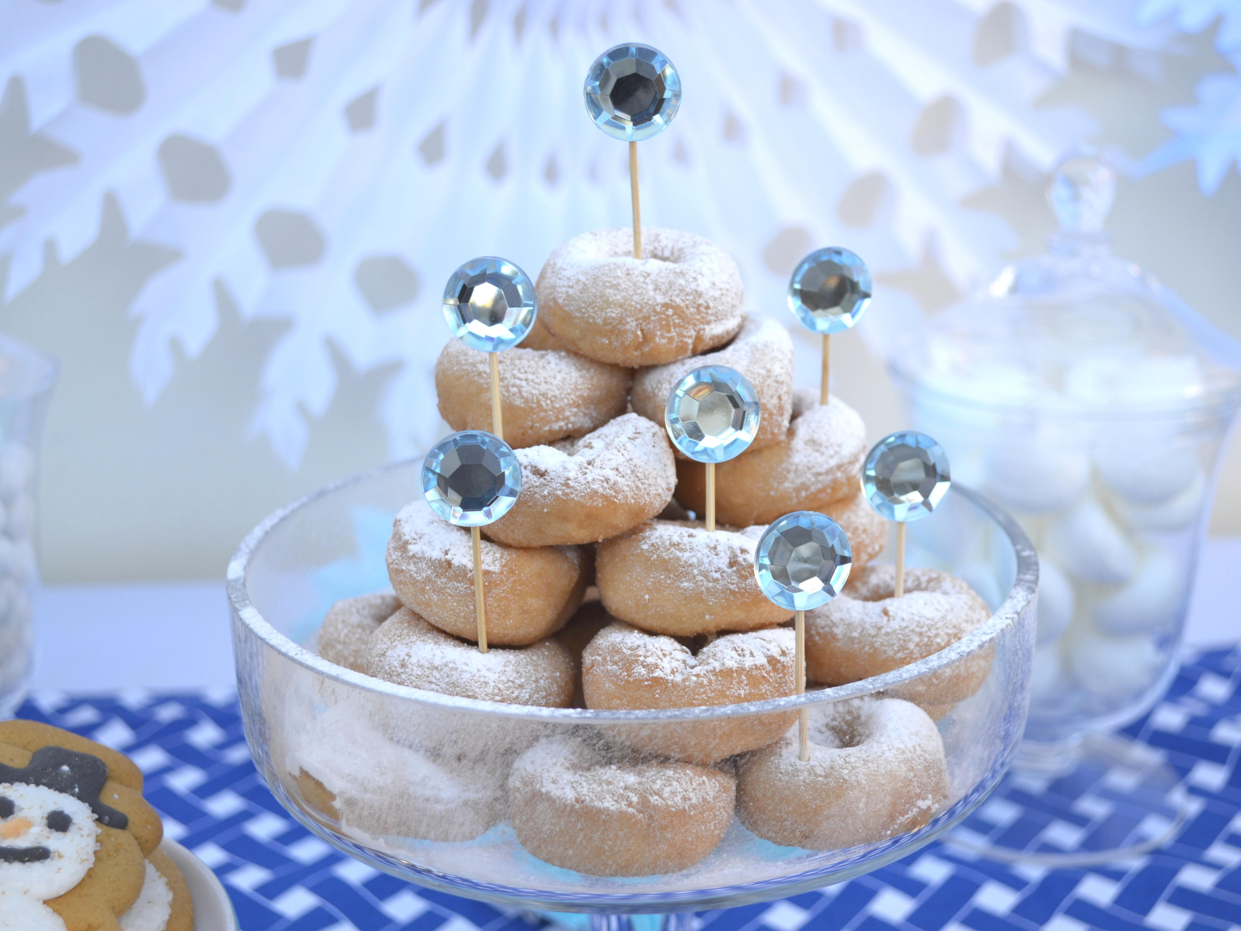 Christmas dessert table decoration ideas - Image